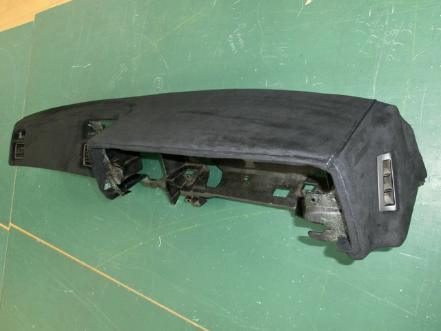 トヨタ AE86 (レビン/トレノ)ダッシュボード張替!